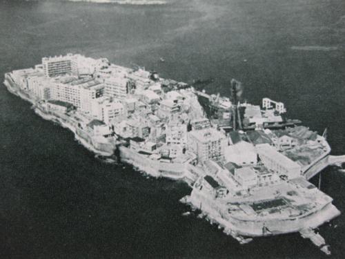 長崎 現役当時の端島(軍艦島) 現役当時に行ってみたかった端島。 長崎の夜景... 懐かしの長崎